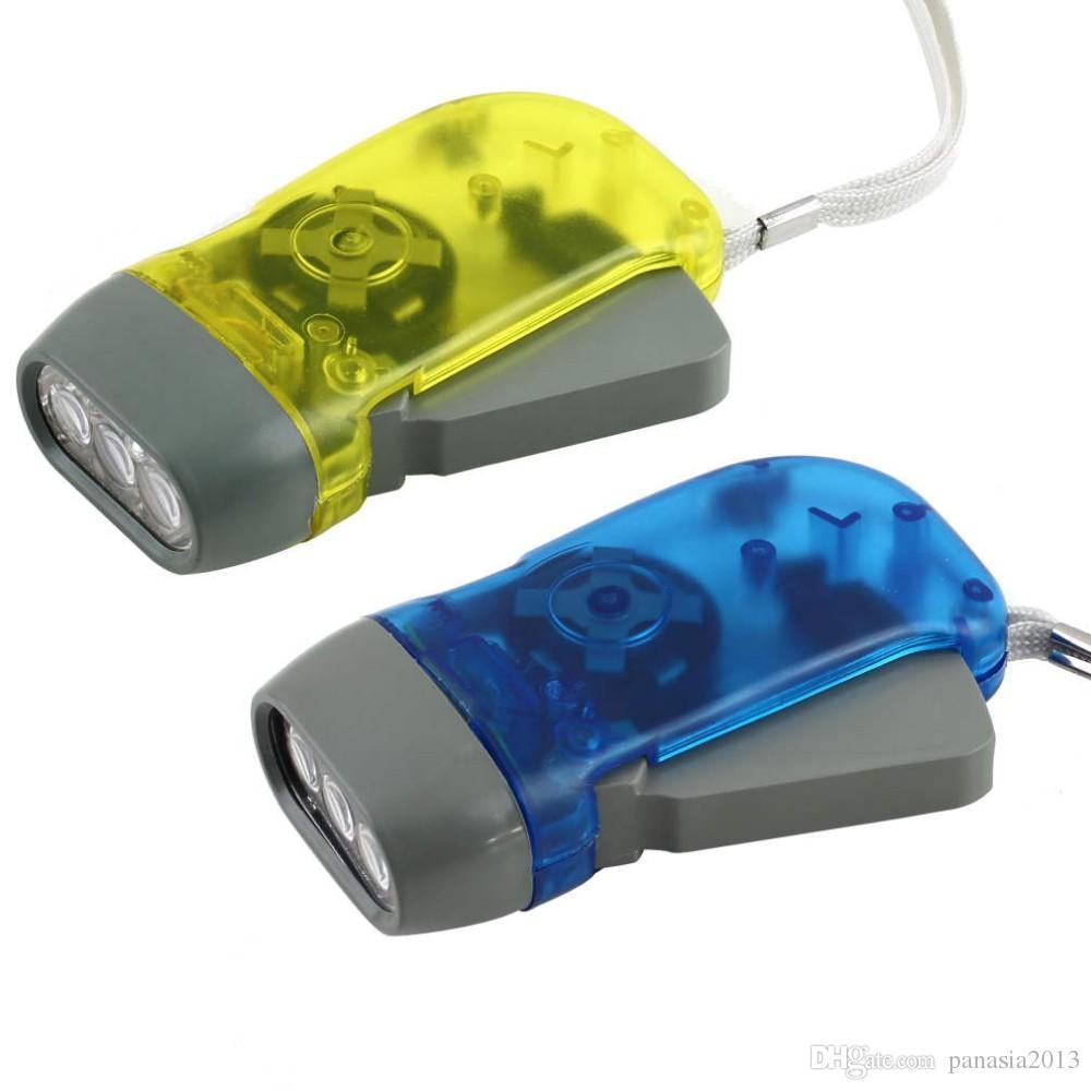 Nouvelle Arrivée Livraison gratuite protable 3 LED Dynamo Wind Up Lampe de Poche Torche Lumière Main Presse Crank NR Camping