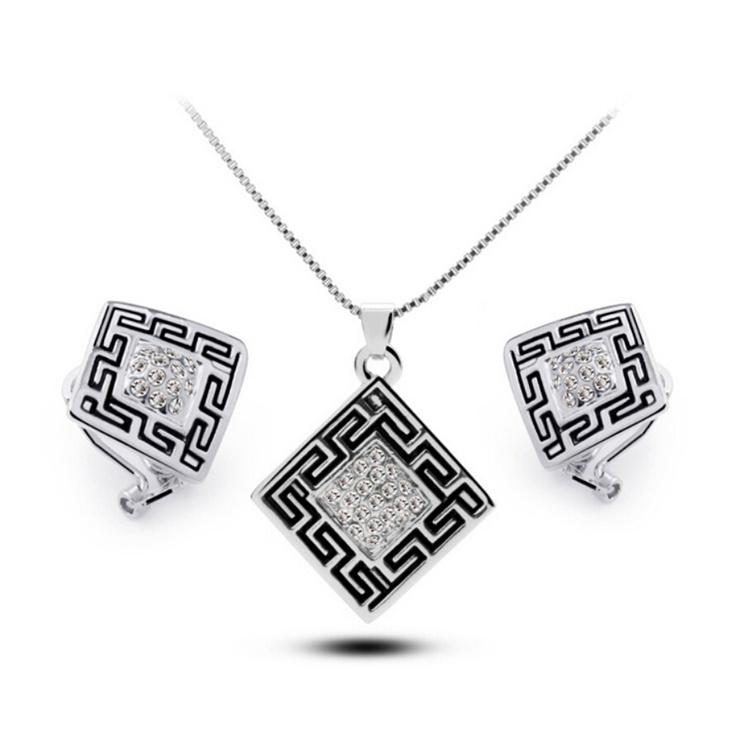 Cheap Earring and Necklace Sets Beautiful Crystal Pendants and Ear Studs for Party Personalized Jewelry for Women 5447