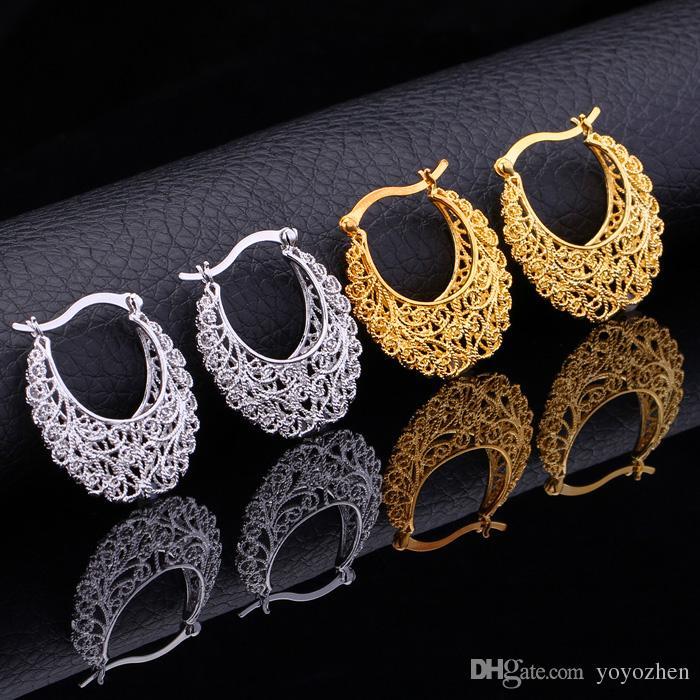 Articolo caldo 18K oro reale placcato Hollow Flowers Orecchini a cerchio Mogli di pallacanestro Orecchini gioielli di moda le donne all'ingrosso