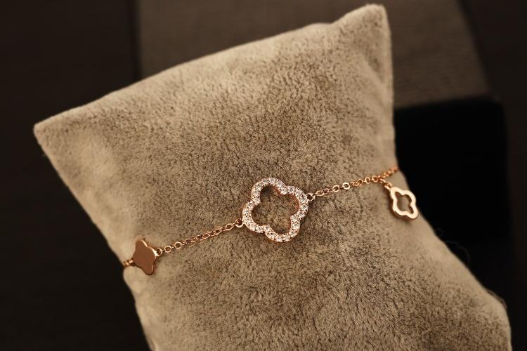 Fashion Metal Gold Plated Clovers Diamante Charm Bracelets & Bangles For Women Elegant Bracelet Female Fine Jewelry Free Shipping