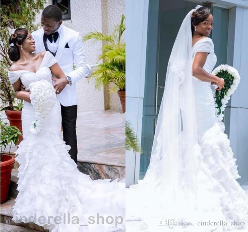 2018 Sereia Africano Vestidos de Casamento Sexy Com Decote Em V Sem Encosto Em Camadas Organza Catedral Trem Branco Plus Size Vestidos de Noiva Personalizado
