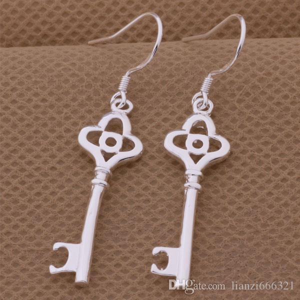 Moda fabricante de joyas 40 piezas mucho Plum cola pendientes clave 925 fábrica de joyería de plata Moda brillo pendientes