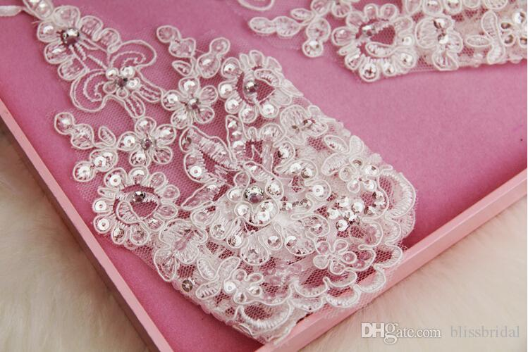New Arrival Cheap In Stock Lace Appliques Beads Fingerless Wrist Length With Ribbon Bridal Gloves Wedding Accessories