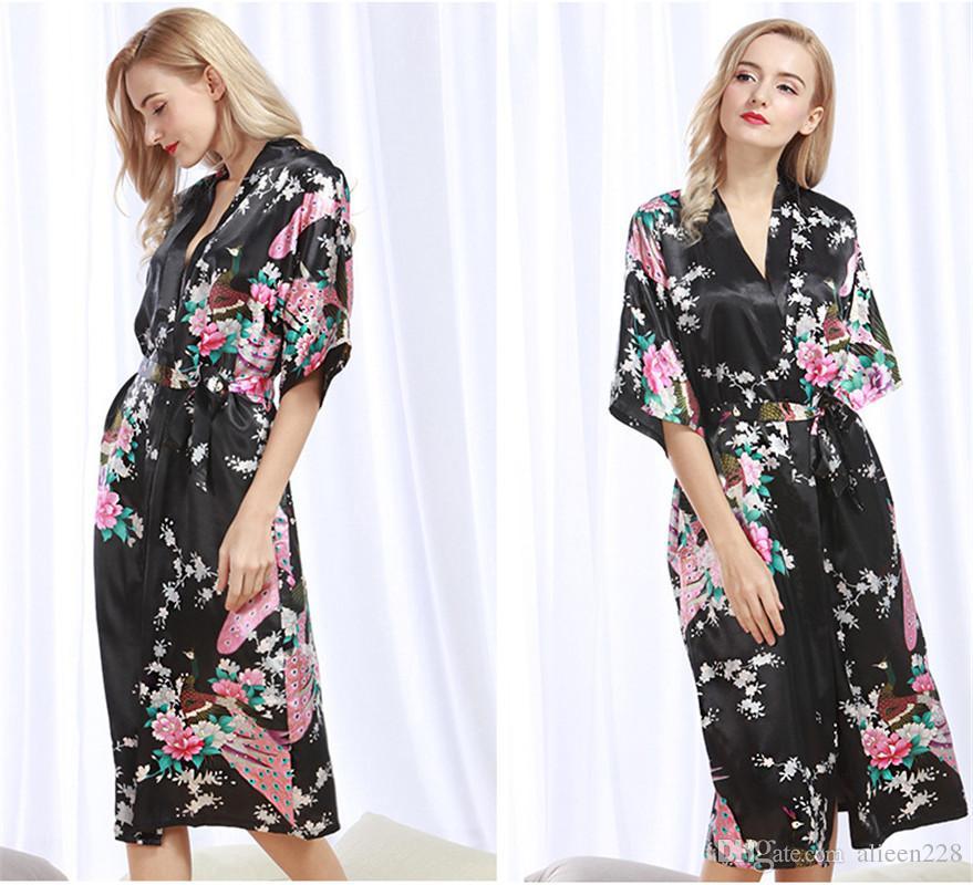 2017 The New women sleepwear robe peacock pattern silk like bathrobe Trend color pink black fashion long homewear comfortable