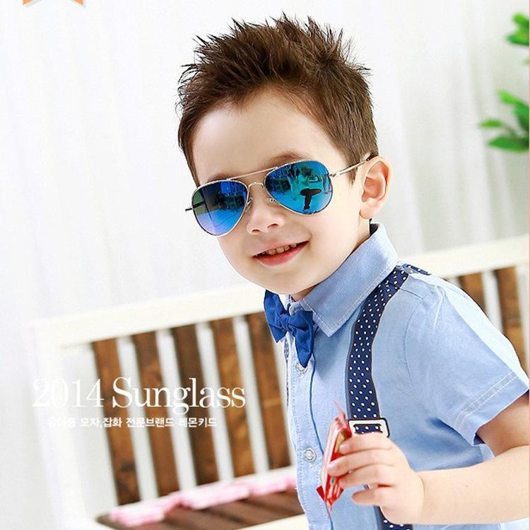 64b7229aeb 2019 Fashion Hot Sale Cool Aviator Sunglasses Children Boys Girls Glasses  Kids Eyewear Outdoor Beach Glasses For Kids From Damiliu