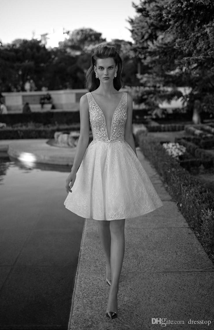 Chic Pearls Berta Wedding Dresses A-Line Pluning Neckline Lace Bridal Gown Appliqued Knee Length Short Wedding Dress