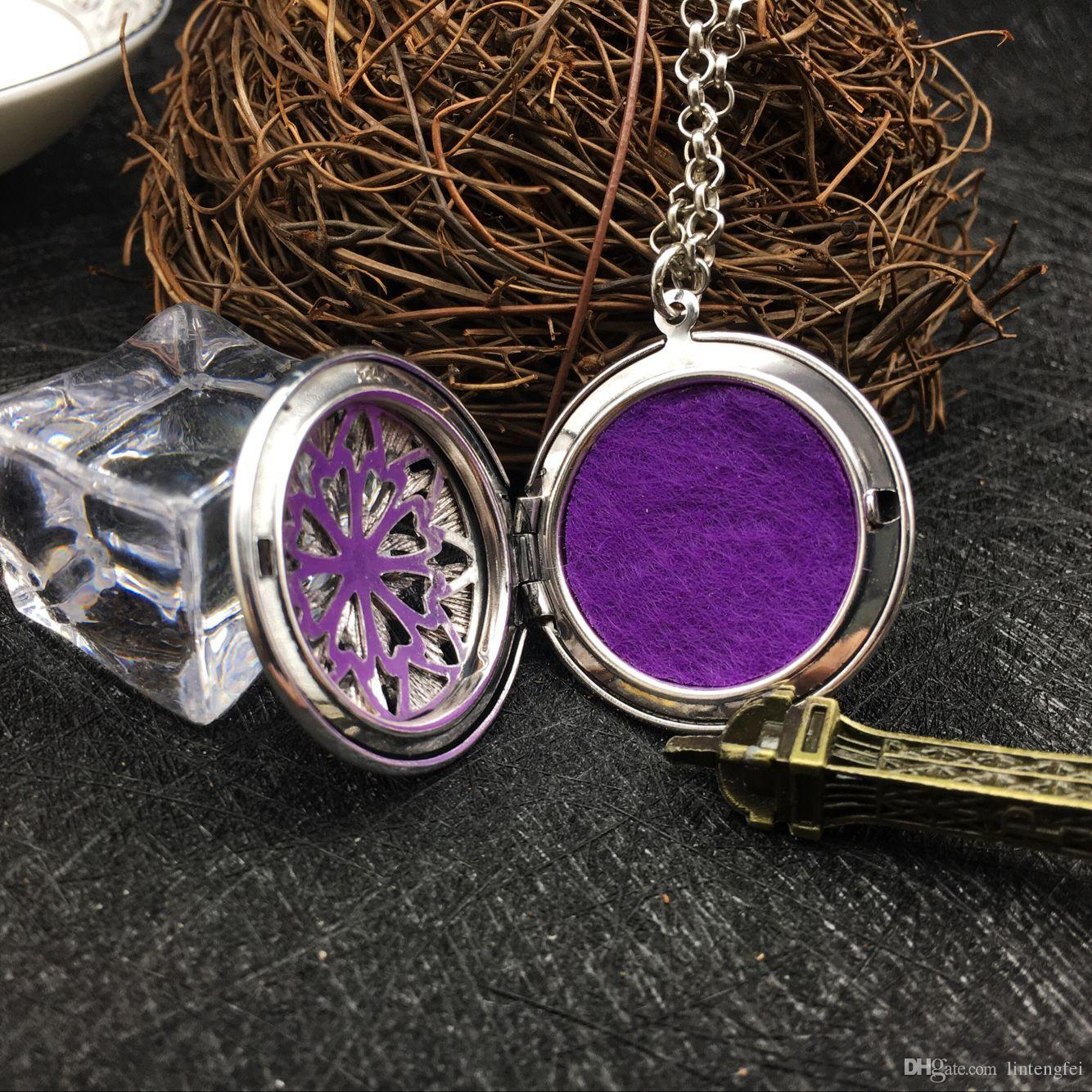 1 package classic style sweater sweater necklace snowflake necklace aromatherapy essential oil necklace Christmas Can open the photo box