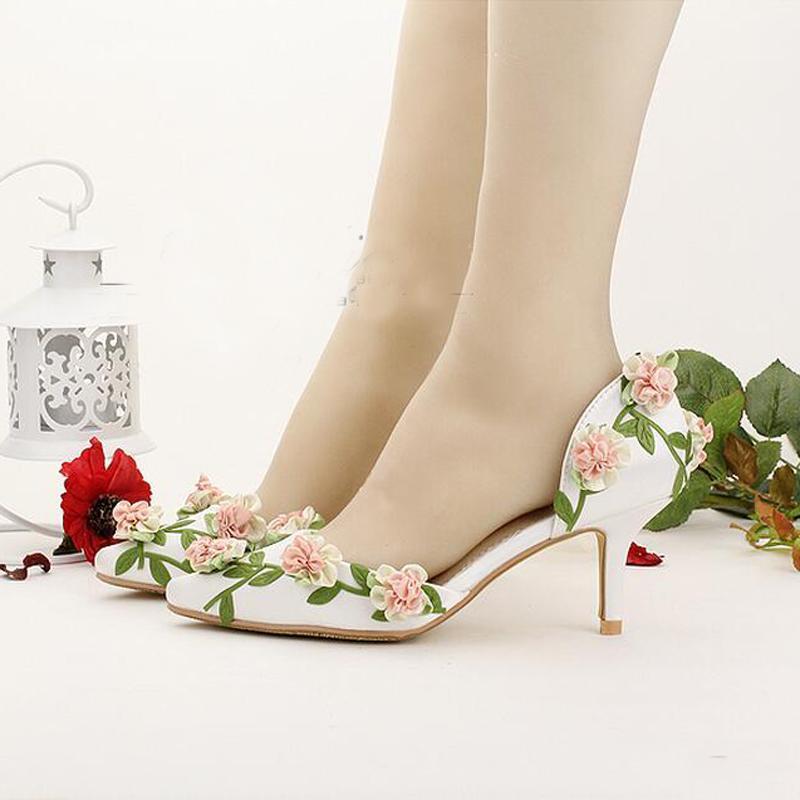ca00ea9304 Marcas De Calçados Sapatos Noiva Branco Apontado Toe Flor Do Casamento  Sapatos Confortáveis sete Centímetros De Salto Gatinho Primavera Mulheres  Bombas ...