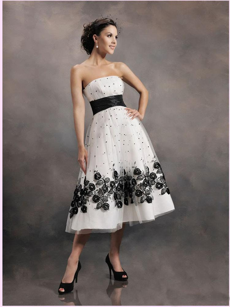 174e028f32de Discount 2015 New Arrival Wedding Dresses White And Black Embroidery ...