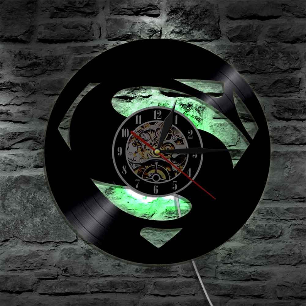 c4393686ed5c Compre Superman Reloj LED De Vinilo Hecho A Mano Silueta De Pared Luz  Control Remoto Retroiluminación Artística Sala De Estar Fresca Decoración  Cambio De ...