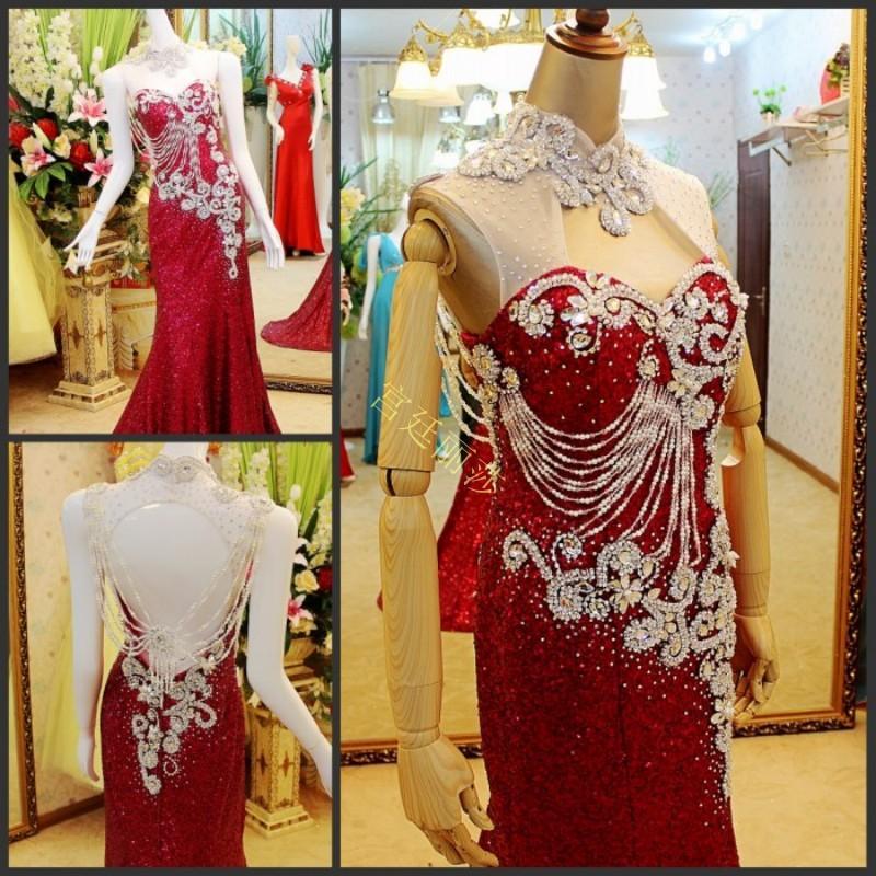 Vestidos rojos Vestidos de fiesta 2018 Recién llegado Lujoso sin respaldo Con cuentas de baile Vestidos de fiesta Vestido de noche Oriente Medio Cuello alto