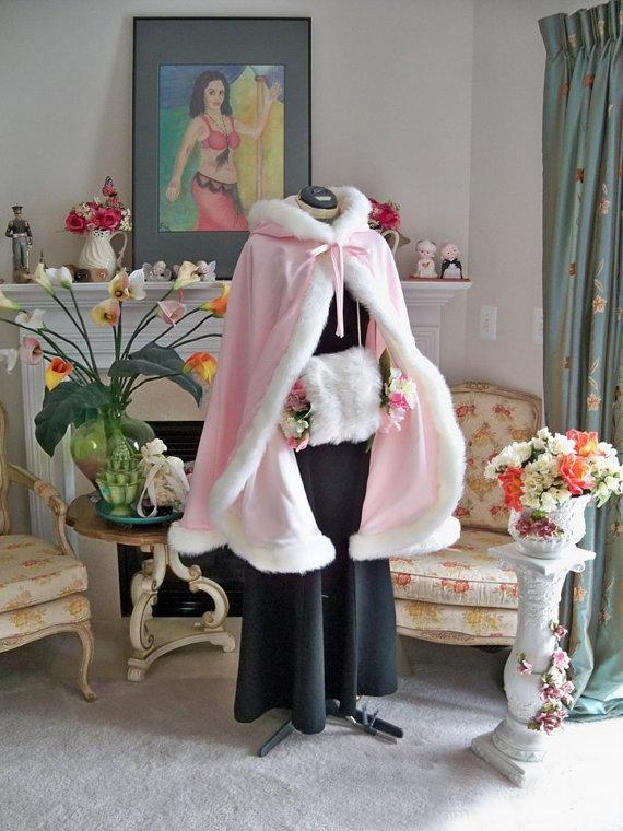 2021 Superbe plancher longueur de plancher rose Capes de mariée Capes de mariage Faux Fourrure parfaite pour hiver Mariage Cape de mariée Cape Flower Girl Cape