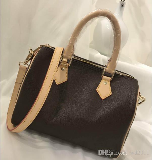 Hot Luxury Men Women Top Quality Women Famous Pu Leather Handbags Designer  Shoulder Bag 40390 40391 40392 Vintage Handbags Black Purses From Wd2011 2452d5bf0c2f3