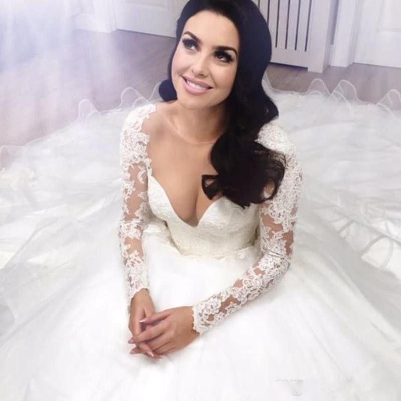 2017 robes de mariée robe de bal sweetheart manches longues en dentelle appliques à niveaux chapelle train Tulle robes de mariée arabe pays robe de mariée