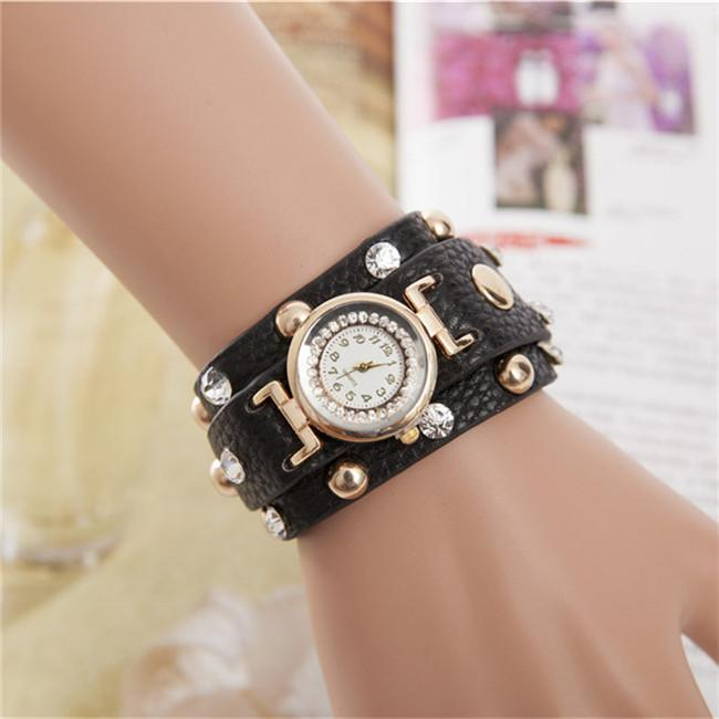 15% Reloj Mujer New Popular Ladies Rivet Punk Chain Leather Bracelet Watch Hot Vintage Winding Watch Quartz Women Watch Famous Brand