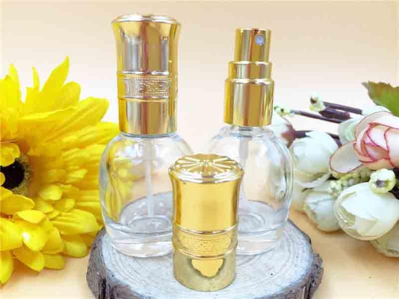 10 ml MINI Botella de Perfume de Cristal Portátil Recargable Vacío Fragancia Viales Perfumado Botella de Spray Atomizador Cosmético Maquillaje Contenedor Descuento