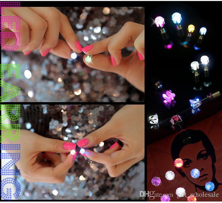 Novità LED lampeggiante in acciaio inox strass orecchini orecchio gioielli moda rave giocattoli regalo i LED orecchini Natale