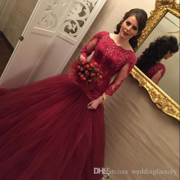 Arabic Burgundy Prom Dress Long Formal Fit and Flare Prom Dresses Bateau Neck Beaded Lace Appliques Illusion Sleeves Tulle Evening Gown