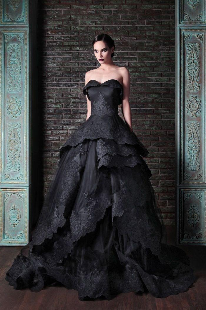 Nowe Gothic Black Wedding Suknie Vintage Sweetheart Ruffles Lace Tulle Ball Sweep Sweep Pociąg Wracać Powrót Suknie Ślubne Niestandardowe W644