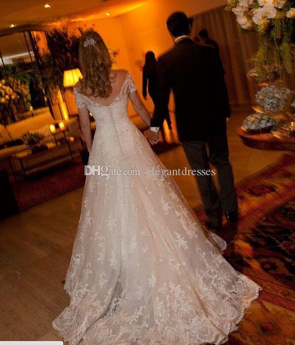 2021 HOT ألف خط الحبيب فساتين زفاف مع الدانتيل زين قصيرة الأكمام الخرز قطار المحكمة المغطاة زر ثوب الزفاف