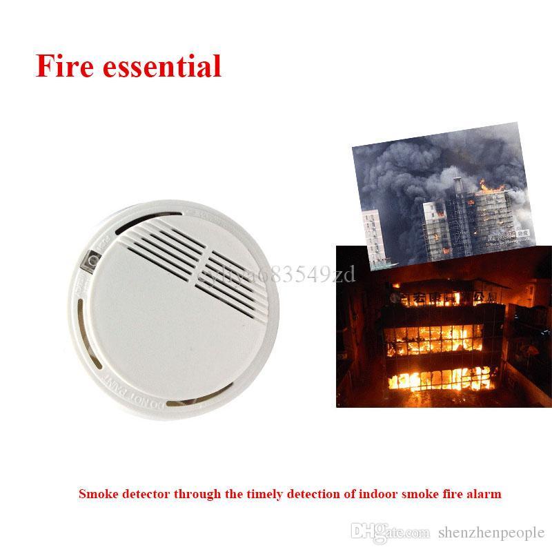 أبيض لاسلكي كاشف الدخان نظام مع بطارية 9 فولت تعمل حساسية عالية مستقر إنذار الحريق مناسبة للكشف عن أمن الوطن