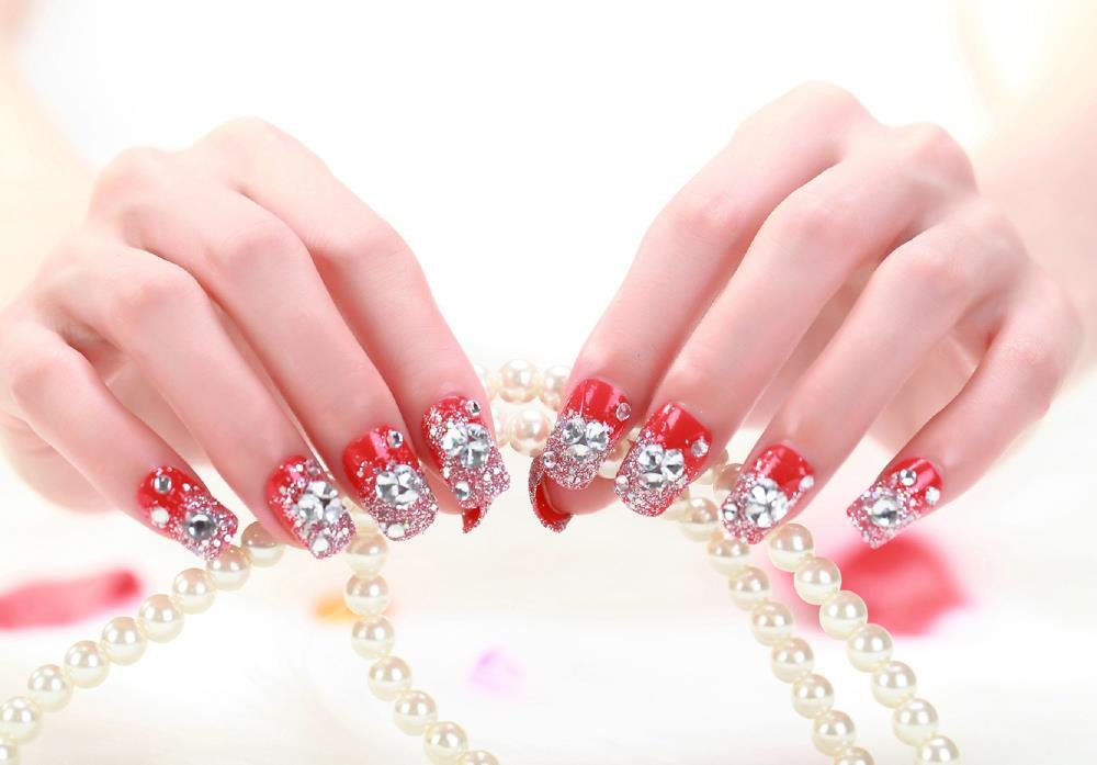 Beautiful Wedding Favor Crystal Fake Nails High Quality 24 Pieces Red Artificial Summer Style Pack For