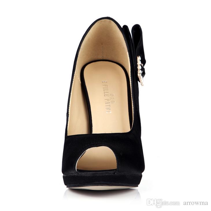 Scarpe da sposa bianche la sposa 2016 sandali estivi economici modest sexy peep toe vendita calda elegante cinturino fibbia di cristallo peep toe signore eleganti
