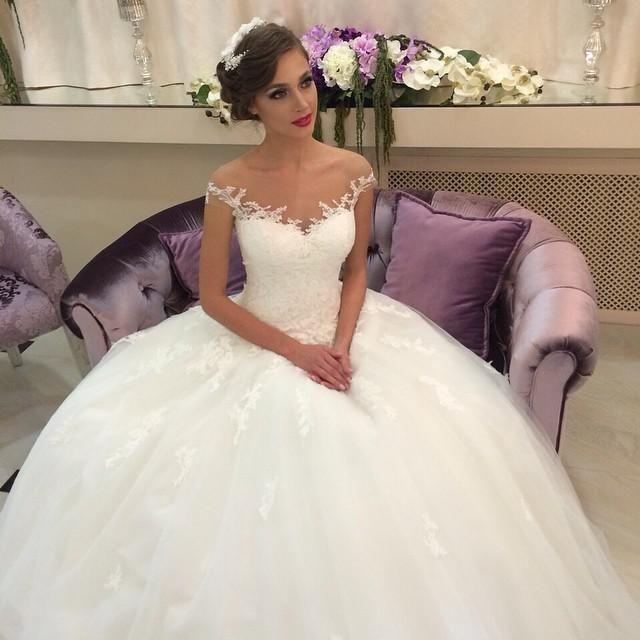 2015 Romantic Puffy Ball Gown Wedding Dresses Bridal Lace Bride Dress Off Shoulder Appliqued Vestidos De Noiva 2014 Sheer Gowns