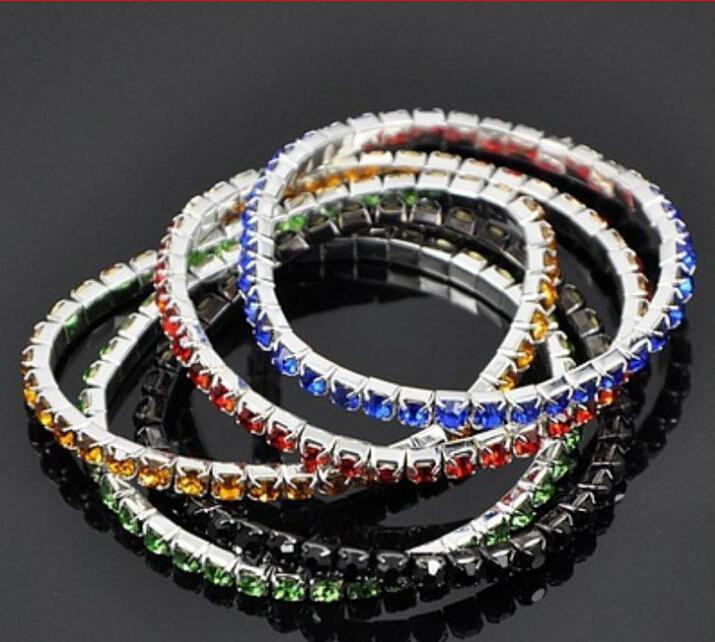 Neue koreanische Designs Warmmode Frauen Silber Überzogene Armreifen One Zeile Glänzende Kristall Stretch Armbänder Mischen Farben