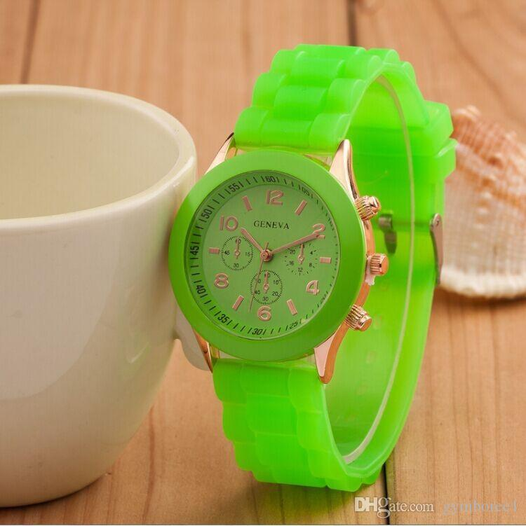 Factory Outlets Drop Versand Armbanduhren Frauen Männer Genf Uhr Gummisüßigkeit Gelee Mode Unisex Silikon Quarz für Paar Uhren