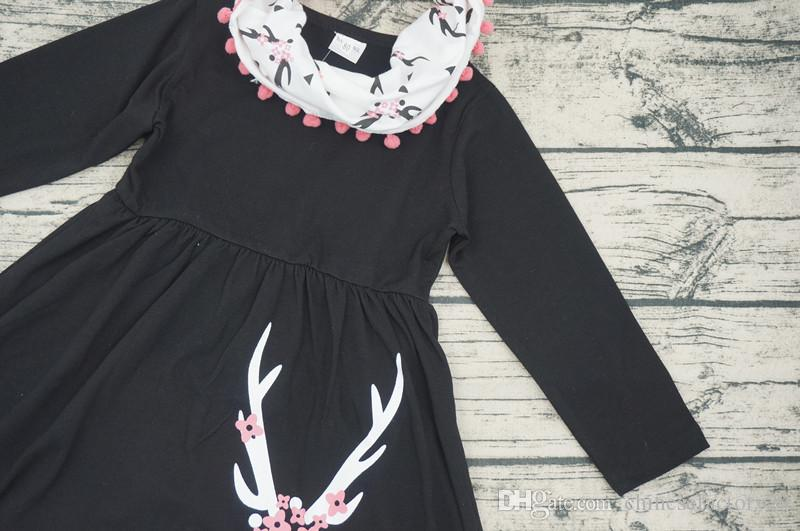 Ensembles de vêtements pour filles pour bébés T-shirts à manches longues avec pompon de Noël Cerf + pantalons imprimés + foulard ensembles de tenues de fleur de prunier