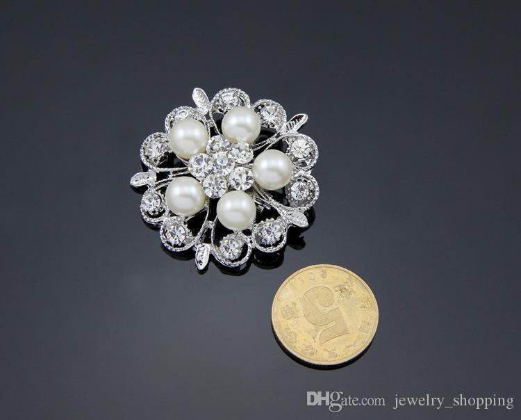 Mulheres de luxo Pérola Broches 4 Estilos de Prata Brilhante Cristal de Diamante Strass Flor Diamante Pinos vestido De Casamento Pin Broche de 1.3 Polegada
