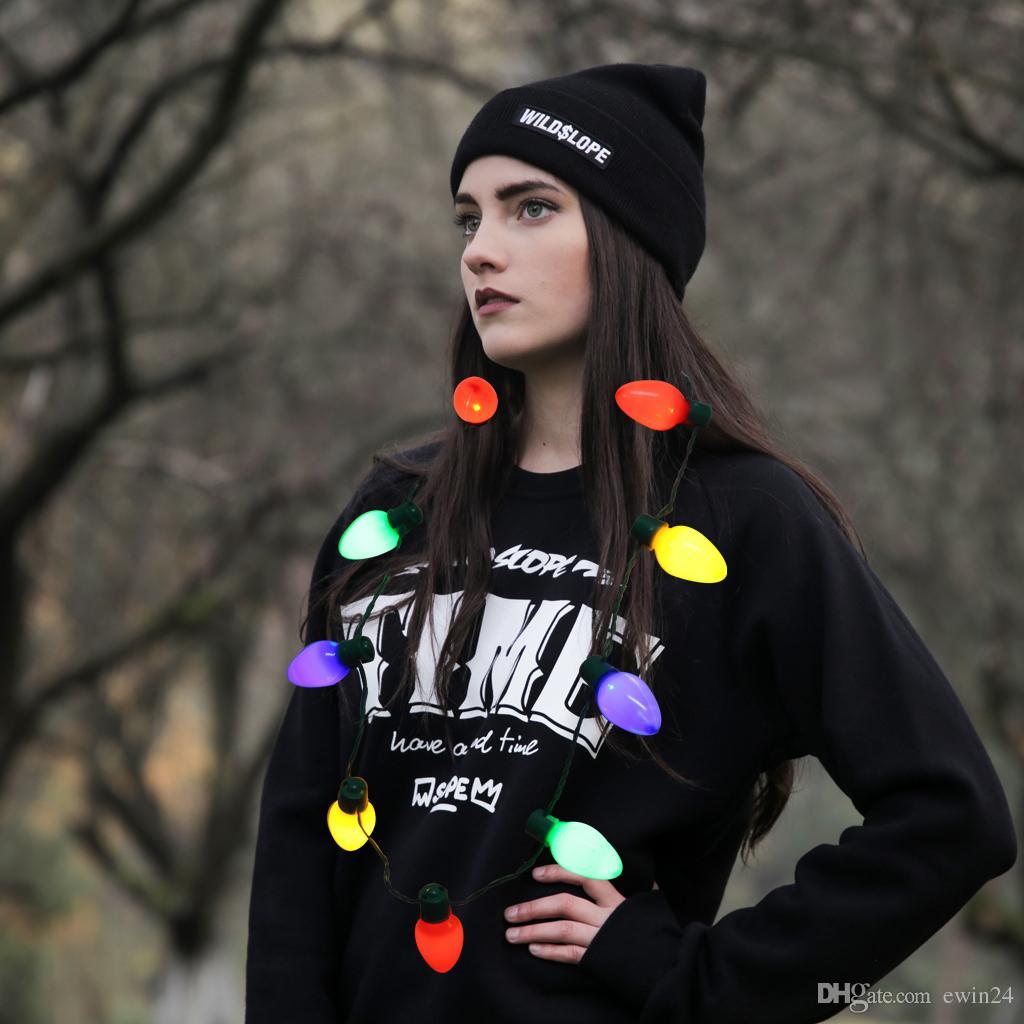 Noël Illumination LED Collier 3 Clignotant Ampoules Chaîne Chritmas Ornement Décoration Cadeau Pour Enfants Ou Adultes Party Favors