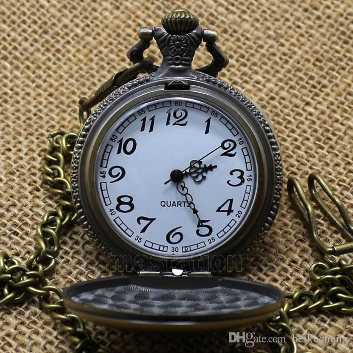 Groothandel 50 stks / partij Black Classic Superman Horloge Vintage Pocket Horloge Ketting Mannen Vrouwen Antieke Modellen Tuo Tafel Watch PW029