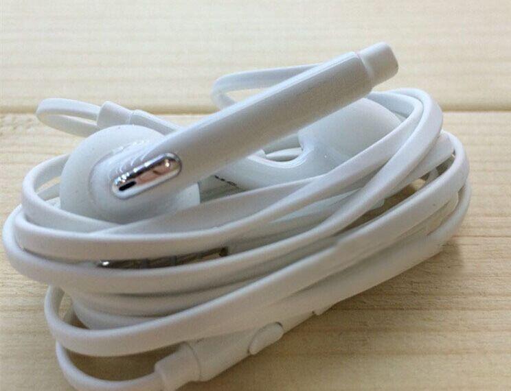 소매 패키지 US03와 S6 G920F S6 EDGE G925 헤드셋 EO-EG920BW 스테레오 이어폰 헤드셋 최고 품질의 경우 갤럭시 S4 S5 S6 주 4