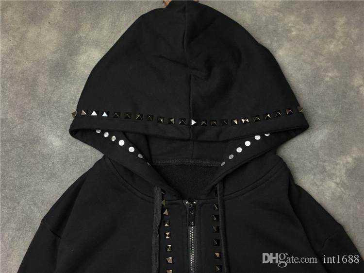 2017 autunno inverno marchio di vendita calda rivetto in metallo decorare pullover cappotto con cappuccio da uomo manica lunga cerniera sport felpa sportiva