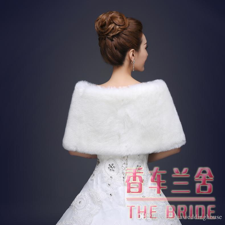 Coprispalle avvolgenti da sposa in pelliccia sintetica Coprispalle Bolero con cappuccio più caldo Perfeziona la giacca da sposa invernale sposa damigella d'onore rossa 2016