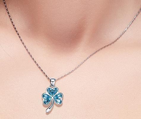 Exquisite S925 Reine Silber Blume blau Wasser Diamant Anhänger Halskette, diese Kette ist zufällig abgestimmt