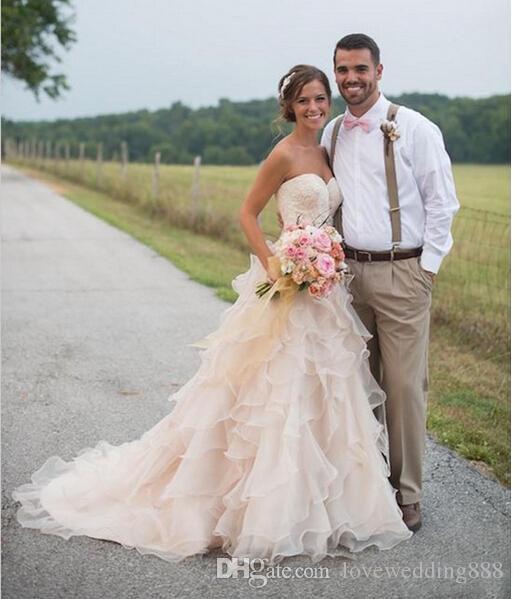Рюшами с рюшами Многоуровневая юбка A-Line Свадебные платья в стиле кантри 2019 Свадебное платье из органзы по индивидуальному заказу Robe de Mariage Дешевле