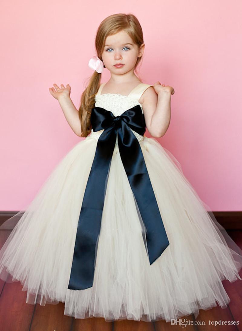 2016 결혼식을위한 새로운 화이트 레이스 꽃 여자 Tulle 드레스 파티를위한 귀여운 아이보리 신데렐라 드레스 어린 소녀 얼룩이 활 벨트 미식가 가운