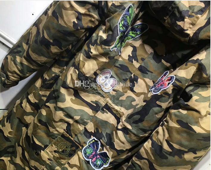 진짜 너구리 모피 트림 Meifeng 브랜드 검은 토끼 모피 안감 위장 조개 파카와 나비 자수
