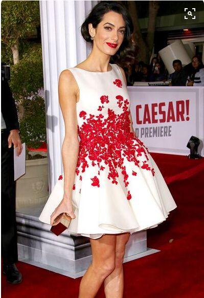 Prachtige Wit en Rood Appliqeus Shoet Avondjurken Rood Tapijt Formele Partyjurken Satijn Handgemaakte Bloemen Beaded Prom-jurken