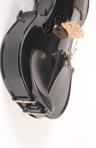 Fibra di carbonio Materiale posteriore / laterale e fibra di carbonio Materiale frontale 100% fibra di carbonio violino