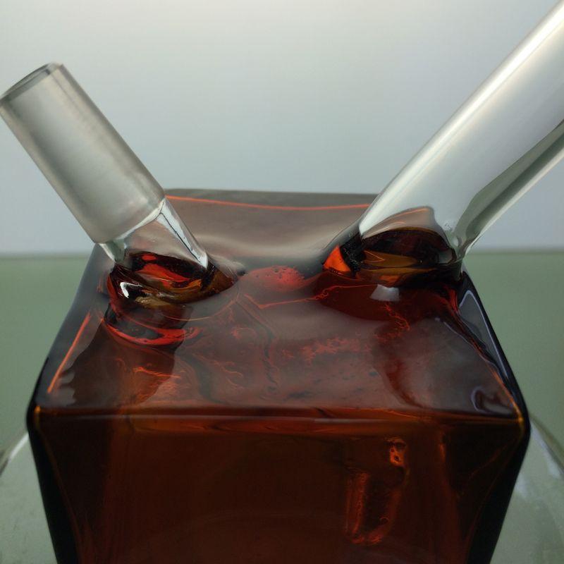 Бесплатная доставка 2015 Новых мини стеклянных бонгов янтарного цвета квадрата 10ммы совместных воды затяжки бесплатная доставка