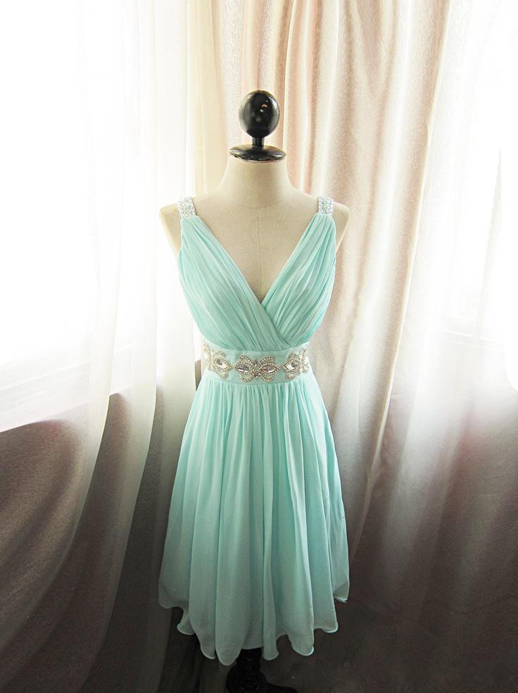 Uroczy Plisowany V-Neck A-Line Szyfonowa Druhna Druhna Dress Z Kryształową Skrót Krótka Maid of Honor Dresses Sky Blue / Mint Custom Made Plus Size