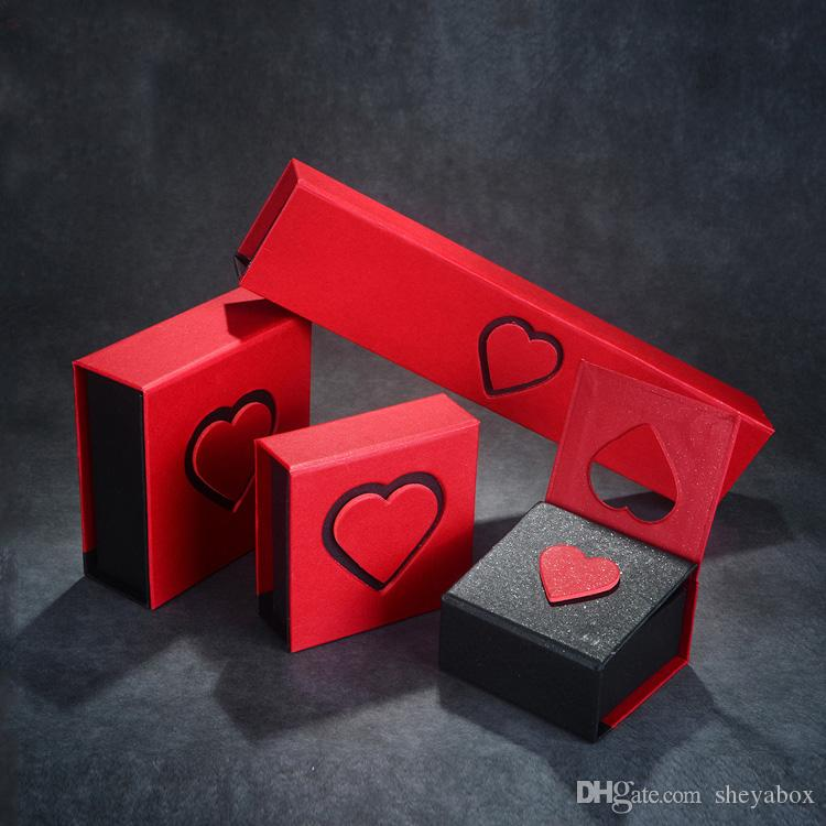 Decorative Heart Folding Paper Gift Box Jewelry Give Away Packaging Hard Cardboard Delicate Special Design White Ring Pendant Bracelet Box