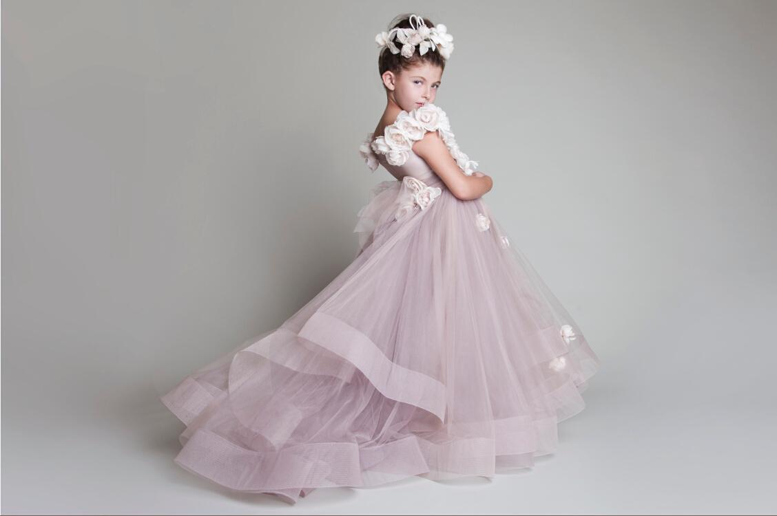 A buon mercato Cute Princess Tulle Ruffled Handmade Fiori Una spalla Lovely Flower Girls 'Vestiti caldi Pageant della ragazza del bambino CPS023