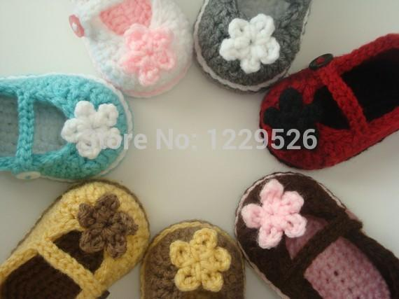 handmade Crochet Baby Booties / baby shoes soft aby toddle with beautiful flowers decorative 0-12M size cotton custom