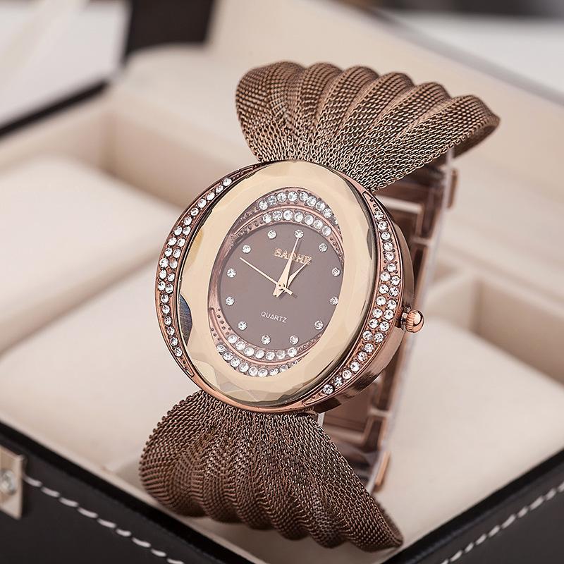 frauen kleiden uhren quarzuhr luxus mesh armbanduhr oval gold armband legierung strass frauen uhren großhandel damenuhr