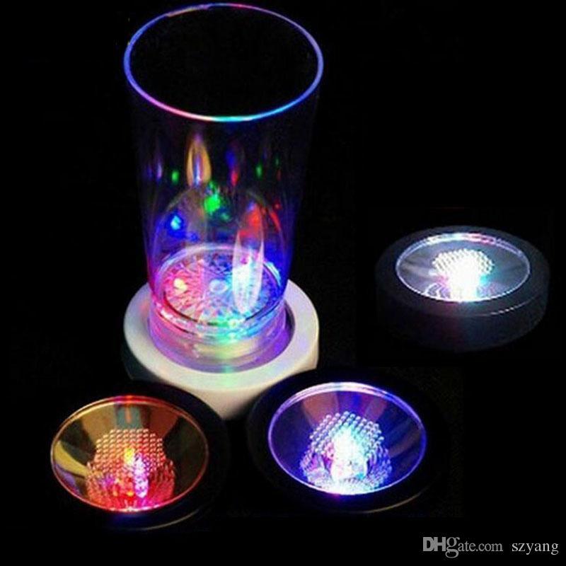 120 pz RGB Cambiare colore LED Sottobicchiere lampeggiante birra leggera bicchiere di vino bottiglia di bevande Cup Mat Coaster Club Bar
